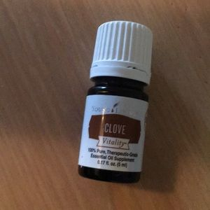 Clive essential oil